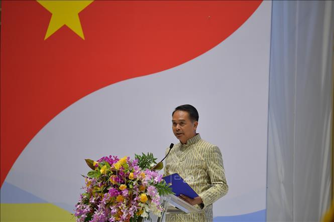 Tỉnh trưởng Udon Thani (Thái Lan) Watana Puttichat phát biểu tại hội nghị. Ảnh: Ngọc Quang/TTXVN