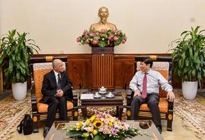 Ông Nguyễn Quốc Cường, Thứ trưởng Bộ Ngoại giao, Chủ nhiệm Ủy ban Nhà nước về Người Việt Nam ở nước ngoài tiếp đoàn Hiệp hội Doanh nhân người Việt Nam ở nước ngoài. Ảnh: VGP/Phan Trang.