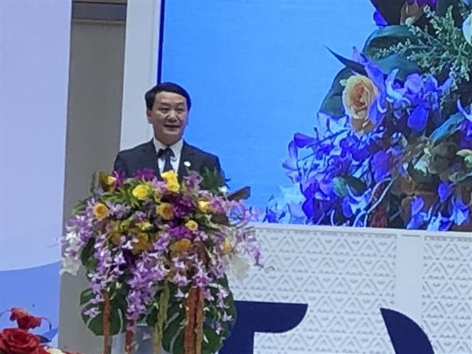 Phó Chủ tịch, Tổng Thư ký Ủy ban Trung ương Mặt trận Tổ quốc Việt Nam Hầu A Lềnh phát biểu tại hội nghị. Ảnh: Ngọc Quang - PV TTXVN tại Thái Lan